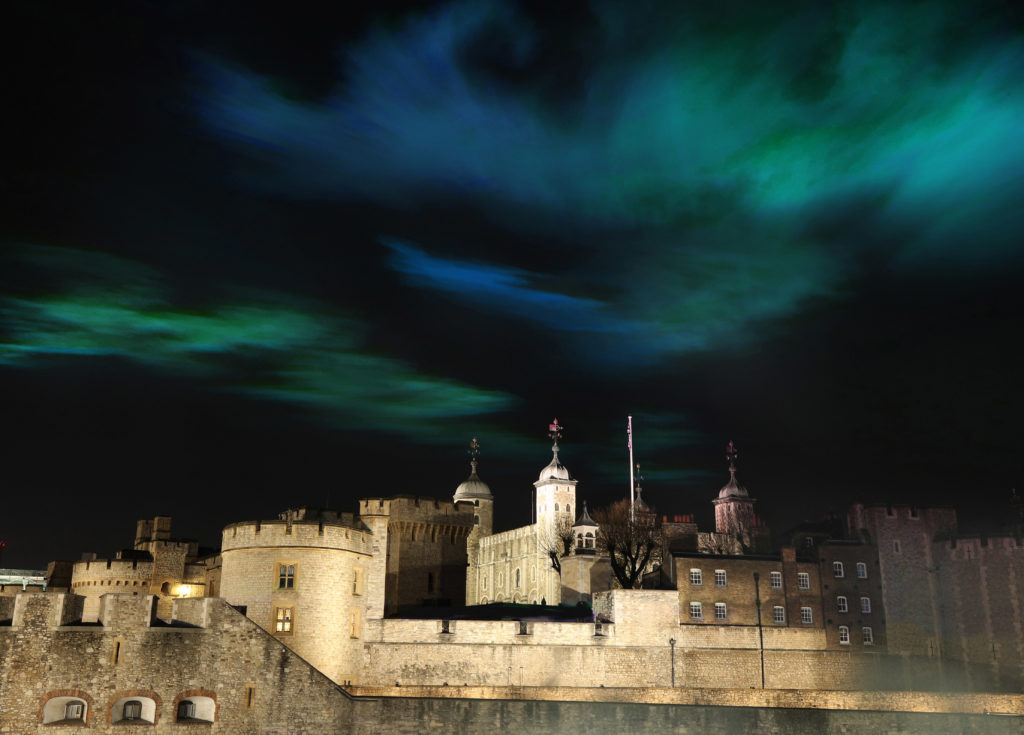 ### Strictly Embargoed Until 00:01 on 05/04/2019 ### *** FREE FOR EDITORIAL USE *** Huawei brings the Northern Lights to London to celebrate the launch of the Huawei P30 Pro. Overlooking the iconic Tower of London, The Aurora Borealis was staged to showcase the superior photographic capabilities of the new handset, which allows users to capture incredible detail and colour in even low light. (installation created by Immersive artist Dan Acher)
